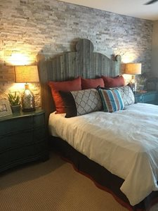 Stone detailed accent wall